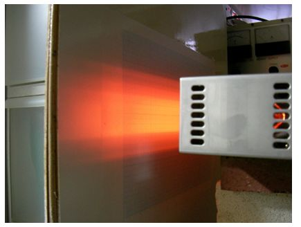 照射距離60mm、強い加熱幅は約35mm、温度 約 990℃