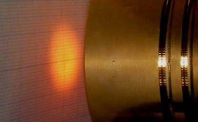 f=30の機種を15mmの距離で照射