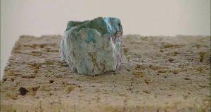 岩石の加熱・溶解・ガラス化シリーズ20 珪孔雀石(Chrysocolla)-ハロゲンポイントヒーターの活用法ビデオ